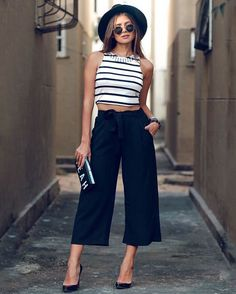 "Looks With Pantacourt Pants "" Check out 15 Amazing Ideas! Mode Outfits, Casual Outfits, Fashion Outfits, Fashion Tips, Fashion Trends, Fashion Fashion, Night Outfits, Fashion Bloggers, Street Fashion"