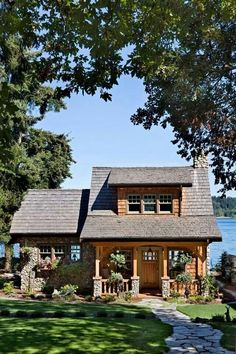 Lake cabin, perfect. ❤️