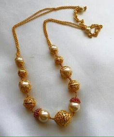 Simple nd sweet Pearl Jewelry, Indian Jewelry, Beaded Jewelry, Jewelry Necklaces, Jewelry Sets, Gold Necklace Simple, Gold Jewelry Simple, Gold Earrings, Gold Jewellery Design