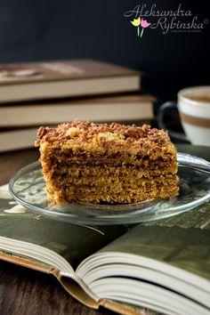 Marlenka, Czech Sweet Desserts, No Bake Desserts, Sweet Recipes, Cake Recipes, Dessert Recipes, Dessert Ideas, Armenian Recipes, Russian Recipes, Traditional Cakes