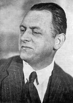 Kurt Schwitters foi um artista, conhecido principalmente por suas colagens e precursor da nova tipografia. Kurt Schwitters foi próximo do movimento dadaísta, embora não sendo um dadaísta, foi claramente influenciado pelo construtivismo russo e pelo neoplasticismo holandês. Em 1922, publica a revista Merz (palavra criada por ele), que também era o nome que dava ás suas obras, sendo este o nome do seu movimento.