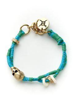 Disney Couture Pirates of the Caribbean Skull Bracelet. Jewelry Box, Jewelery, Jewelry Ideas, Coconut Bra, Disney Couture Jewelry, Couture Accessories, Quirky Fashion, Skull Bracelet, Bracelet Tutorial