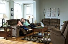 Quinnlyn Coffee 6 Pc. Reclining Room Collection