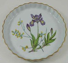 Spode Stafford Flowers Round Quiche Crimped Pie Dish Iris Sphaerolobium Quiche Dish, Pie Dish, Hearth, Iris, Porcelain, Plates, Ceramics, Dishes, Dining