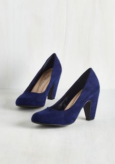 Excellence Achievement Heel in Navy. Approaching the podium to accept your award, you strut confidently and comfortably in these cushioned pumps! 1950s Fashion Shoes, 1940s Shoes, Prom Heels, Pumps Heels, High Heels, Vintage Heels, Retro Vintage, Navy Blue Shoes, Cute Heels