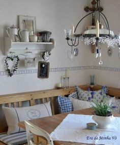 Amazing chalet design for your winter chalet Diy Home Decor Rustic, Country Decor, Farmhouse Decor, Chalet Design, Style At Home, Comedor Office, Cocina Shabby Chic, Cosy Home, Deco Retro