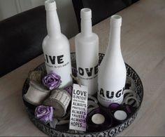 Behandel je lege wijnflessen met gesso en decoupeer met servetten. Heel makkelijk zelf te maken!