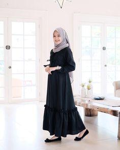 Code : Aswad Dress Price : Rp / IDR Bahan : Balotelli Size : All s. Street Hijab Fashion, Abaya Fashion, Grey Fashion, Muslim Fashion, Womens Fashion, Hijab Style Dress, Hijab Outfit, Dress Outfits, Fashion Outfits