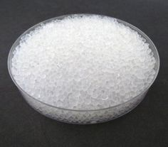 DRY&DRY HIgh Quality Silica Gel Desiccant Dehumidifiers 100 g, 5 Pack - Packet dimension : 4 1/4″ x 5 1/2″ Silica gel beads size : about 2 ~ 4 mm Pure silica gel without cobalt chloride  - read more . . . Re-pin