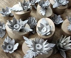 egg carton flowers ~ my new obsession Egg Carton Art, Egg Carton Crafts, Egg Cartons, Paper Art, Paper Crafts, Diy Crafts, Off White Paints, Crafts For Kids, Arts And Crafts