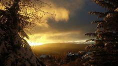 Intense sunset tonight #nofilter #parkcityutah #Utah #slc #montagnes #couchedesoleil #culturalcare #aupairlife #frenchaupair #parkcity #mountains #francaisauxusa #expatlife | Photo de @elo.ra_