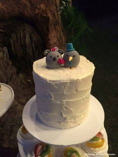 Koala and kiwi bird wedding cake topper #weddingcake #realwedding #animalstopper