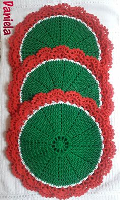 Crochet Pattern PDF Holly and Berries Afghan and Pillow Crochet Santa, Christmas Crochet Patterns, Crochet Doily Patterns, Crochet Motif, Crochet Designs, Crochet Doilies, Free Crochet, Crochet Kitchen, Crochet Home