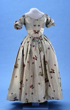 Evening dress ca. 1840-50. From Colonial Williamsburg