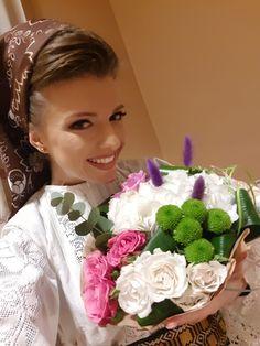 Ador să primesc flori de la cei ce-mi îndrăgesc cântecele! Ale, Crown, Ales, Crowns, Crown Royal Bags