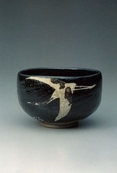 「大樋黒釉の絵茶碗」加山又造絵 Ohi Black Glaze Chawan with Painting by Kayama Matazou