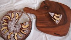 Saftige Schokoladentarte mit Quitten und Maronenboden.