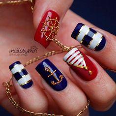 Imagen vía We Heart It #blue #gold #ocean #red #sea #white #nailsart