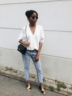 Nelly N. - Chanel bag and boyfriend jeans