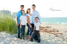 family beach photo idea