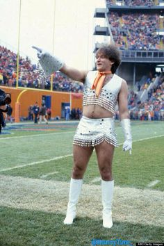 Robin Williams como animadora de Denver Broncos en 1979.