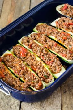 Low Carb und high Protein, nur 285 Kalorien… Zucchini boats with hack from the oven. Low carb and high protein, only 285 calories per serving! gefüllte Zucchiniboote aus dem Ofen – low carb – My WordPress Website Crunchy low carb meatloaf recipes Low Carb Chicken Recipes, Low Carb Recipes, Diet Recipes, Healthy Recipes, Easy Recipes, Healthy Food, High Protein Low Carb, Low Carb Diet, Low Carb Meatloaf