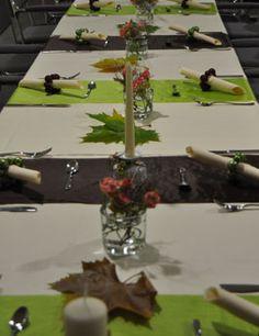 Tischdeko für die Hochzeit in Braun und Grün Mehr