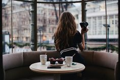 alone-coffee-girl-hair-Favim.com-2659992.jpg (500×334)