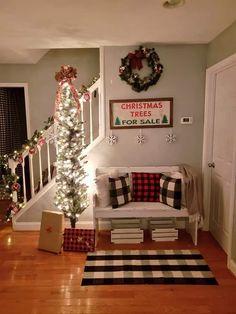 49 christmas master bedroom page 31 Christmas Tree Sale, Christmas Wood, Cozy Christmas, All Things Christmas, Christmas Time, Winter Things, Christmas Mantels, Christmas Ideas, Christmas Gifts