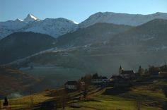 Le Cuq Crémail et le village de Germs sur Oussouet (Hautes-Pyrénées)