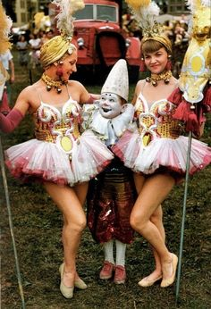 Oooooo I want to be that scary clown!! 40's Circus Performers