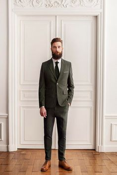 full thick bushy beard and big mustache beards bearded man men mens' style suit and tie suits fashion clothes bearding #sharpdresssedman
