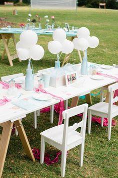39 Ideas for diy kids table wedding receptions Kids Table Wedding, Wedding Table Decorations, Wedding With Kids, Diy Wedding, Wedding Ideas, Trendy Wedding, Balloon Centerpieces Wedding, Vase Centerpieces, Wedding Tables