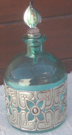 -OOh, the perfect way to make upcycled bottles.