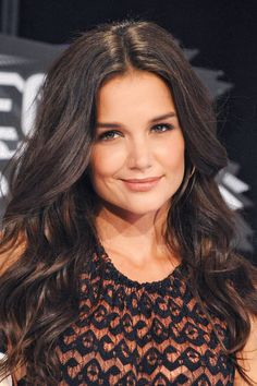 Katie Holmes Style - Fashion Pictures of Katie Holmes - ELLE - The hair, please!
