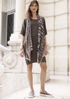 madewell easy dress worn with the woodcut diamond scarf + vans® slip-on.