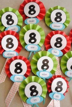 8 yaş doğumgünü partisi..misafirler için yaka rozetleri..rosettes..