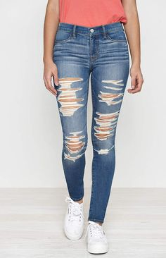 Give your wardrobe an update with the Subtle Acid Embroidered Perfect Fit Jeggings by PacSun. These cute and casual skinny jeans feature a classic blue wash, embroidery details throughout, raw cut hem, and a stretch fabric. Ripped Jeans Outfit, Ripped Jeggings, Jeans Levi's, Jeans Boyfriend, Cute Jeans, Denim Leggings, Ripped Denim, Ripped Skinny Jeans, Feminine Fashion