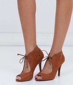 b87ff3be08 Peeptoe feminino Material  sintético Com amarração Marca  Vizzano COLEÇÃO  INVERNO 2016 Veja outras opções de sapatos femininos.