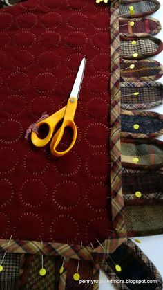 Penny Rugs and More: Plaid Tongue Rug Tutorial