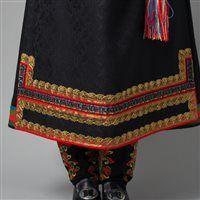 Øst Telemark raudtrøyebunad og Øst Telemark herre fra ca 1750 Scandinavian Embroidery, Folk Embroidery, Folk Costume, Traditional Art, Cosplay Costumes, Norway, Casseroles, Countries, Ethnic