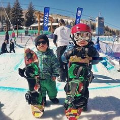 Brothers Wes, 19 months, and Jake, 3, looking like a couple of bosses after getting their first turns on snowboards at a #BurtonRiglet Park. #repost via @vailmtn #burtonusopen