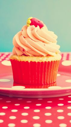 3Wallpapers | Best Wallpapers for all iPhone Retina » Cupcake Vintage