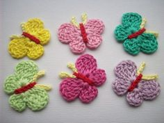 This Pin was discovered by zey Crochet Bows, Crochet Quilt, Crochet Flowers, Knit Crochet, Crochet Butterfly Free Pattern, Crochet Patterns, Diy And Crafts, Arts And Crafts, Crochet Accessories