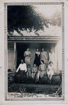 Rural central Texas, ca1920, Geneva Josephine McCullough seated 2nd from right visiting family in the country