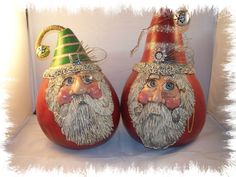 Two sculpted gourd Santa's that I have done. Christmas Love, Christmas Items, Christmas Crafts, Christmas Bulbs, Xmas, Decorative Gourds, Hand Painted Gourds, Gourds Birdhouse, Polymer Clay Christmas