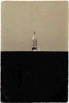 Masao Yamamoto (山本昌男, Yamamoto Masao, born is a Japanese freelance photographer known for his small photographs, which seek to individualize the photographic prints as objects. Yamamoto, Abstract Photography, Fine Art Photography, Artistic Photography, Ecole Art, Photo B, Still Life Photography, Photographic Prints, Black And White Photography