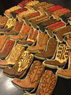 3460dc5d9dcf95e70e8d33e885581262.jpg (736×981) Royal Icing Cookies, Cupcake Cookies, Sugar Cookies, Cookie Frosting, Iced Cookies, Cookie Desserts, Royal Frosting, Holiday Cookies, Cookie Recipes
