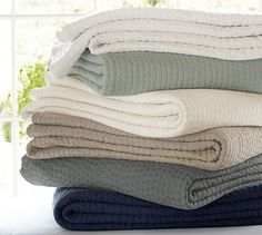 Pottery Barn Pick-Stitch Quilt. My absolute favorite manufactured essential quilt. Perfect weight for all seasons!