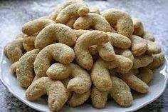 Life and style: Vanilkovo-ořechové rohlíčky ze špaldové mouky